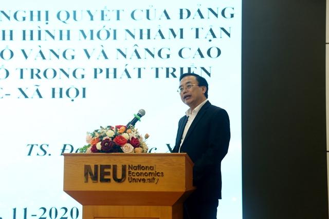 TS. Đoàn Ngọc Xuân, Vụ trưởng vụ Xã hội, Ban Kinh tế Trung ương phát biểu tham luận